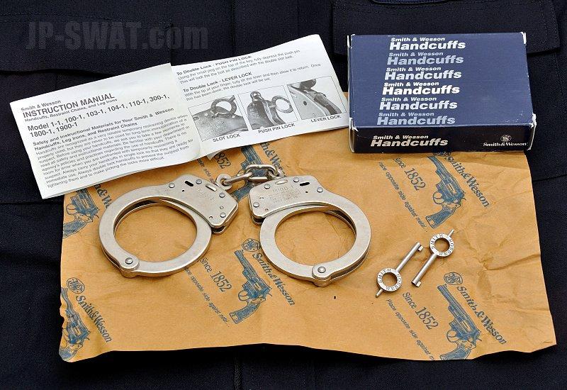 Smith & Wesson(スミス&ウェッソン) ハンドカフ ニッケルモデル100-1