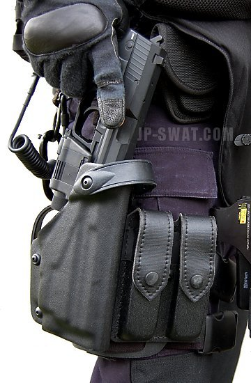 SAFARILAND #6004/6005 Tactical Holster Series