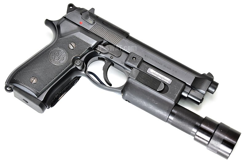 Beretta M92FS / SUREFIRE 3V Weapon Light