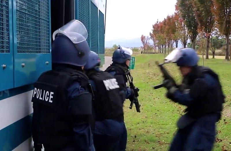 平成27年10月29日 新潟県警察銃器対策部隊・陸上自衛隊第12旅団 柏崎刈羽原発における合同対テロ訓練
